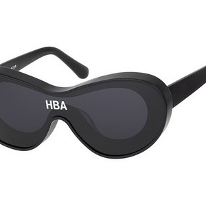 "HBA 携手 Gentle Monster 推出 ""The Jacuzzi"" 眼镜系列"